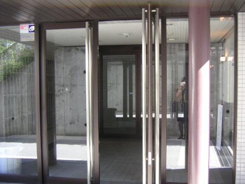 神奈川県横浜市神奈川区、大口駅徒歩3分の築24年 6階建の賃貸マンション