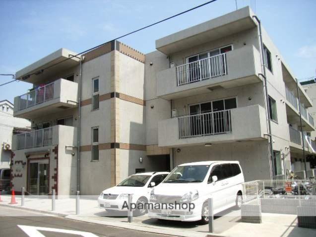 神奈川県横浜市鶴見区、鶴見駅徒歩10分の築12年 3階建の賃貸マンション