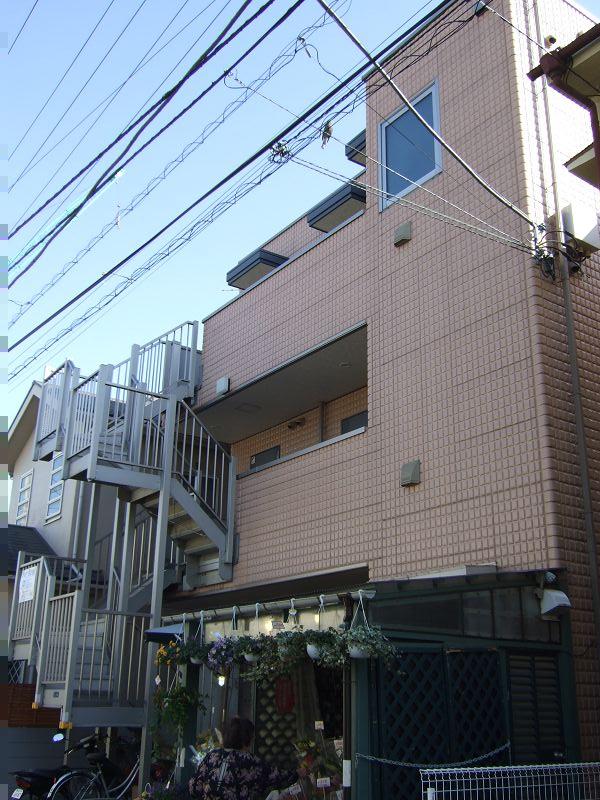 神奈川県川崎市中原区、武蔵小杉駅徒歩13分の築11年 3階建の賃貸マンション