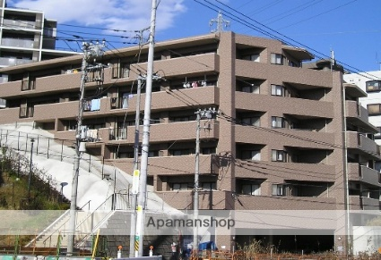 神奈川県横浜市戸塚区、戸塚駅徒歩16分の築20年 5階建の賃貸マンション