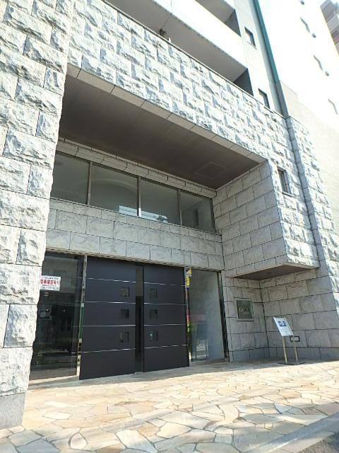 神奈川県横浜市南区、関内駅徒歩15分の築8年 11階建の賃貸マンション