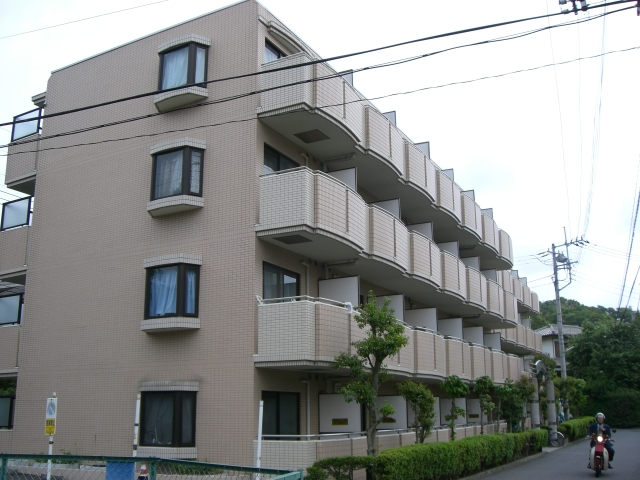 神奈川県横浜市戸塚区、戸塚駅徒歩6分の築25年 4階建の賃貸マンション