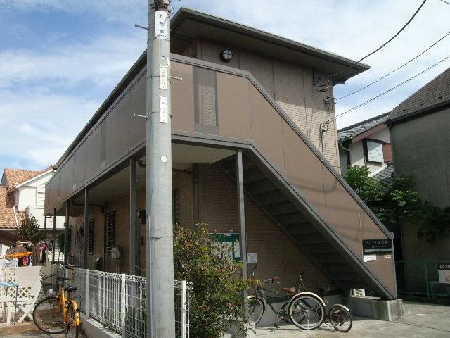 神奈川県藤沢市、鵠沼海岸駅徒歩13分の築13年 2階建の賃貸アパート