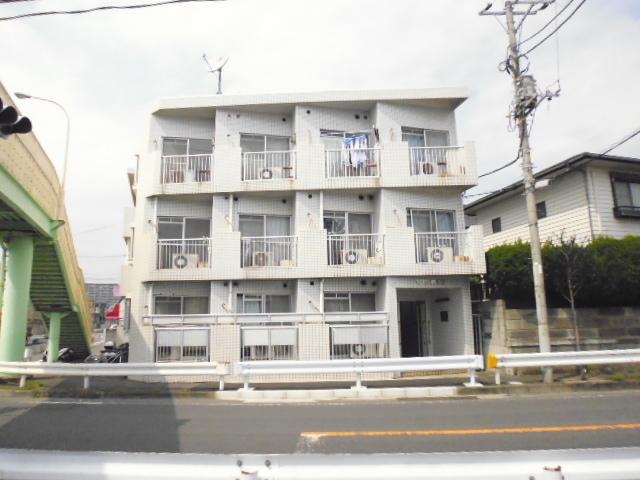 神奈川県藤沢市、藤沢駅徒歩14分の築30年 3階建の賃貸マンション