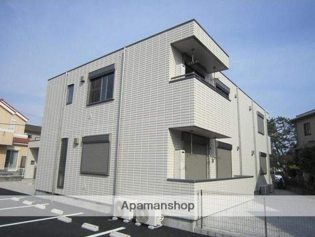 神奈川県藤沢市、本鵠沼駅徒歩11分の築4年 2階建の賃貸マンション