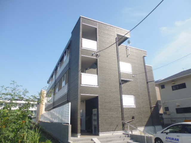 神奈川県藤沢市、藤沢駅徒歩17分の新築 3階建の賃貸アパート