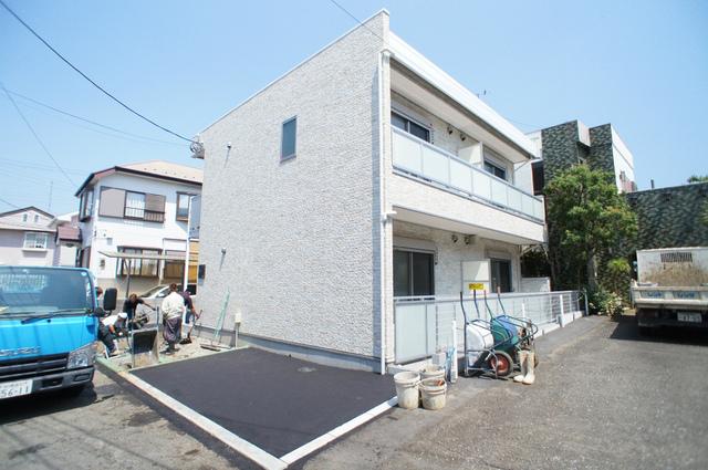 神奈川県藤沢市、藤沢駅徒歩19分の築2年 2階建の賃貸アパート