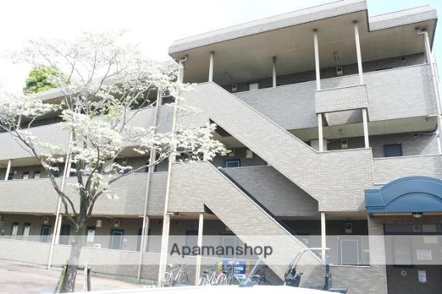 神奈川県川崎市麻生区、新百合ヶ丘駅徒歩30分の築20年 3階建の賃貸マンション