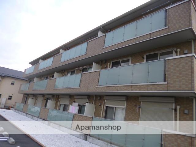 神奈川県川崎市麻生区、柿生駅徒歩21分の築8年 3階建の賃貸アパート