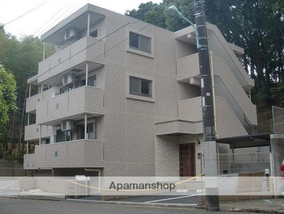 神奈川県川崎市麻生区、柿生駅徒歩13分の築5年 3階建の賃貸マンション
