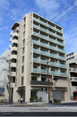 神奈川県横浜市西区、横浜駅徒歩17分の築5年 9階建の賃貸マンション