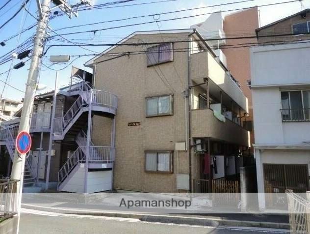 神奈川県横浜市神奈川区、反町駅徒歩4分の築15年 3階建の賃貸アパート