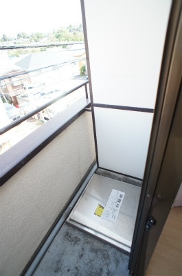 ヴィラ西横浜A棟[1R/14.4m2]のバルコニー