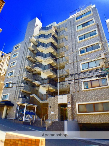 神奈川県横浜市神奈川区、横浜駅徒歩10分の築25年 9階建の賃貸マンション