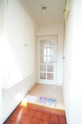 ヴィラ西横浜A棟[1R/14.4m2]の玄関