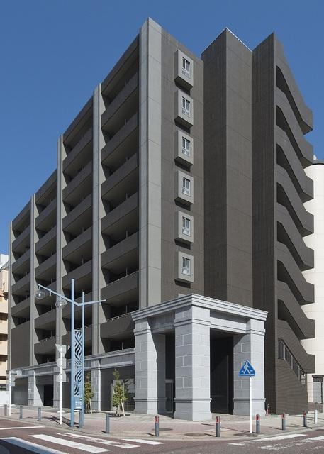 神奈川県横浜市中区、桜木町駅徒歩6分の築5年 9階建の賃貸マンション