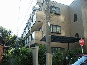 神奈川県川崎市川崎区、川崎駅徒歩15分の築10年 3階建の賃貸マンション