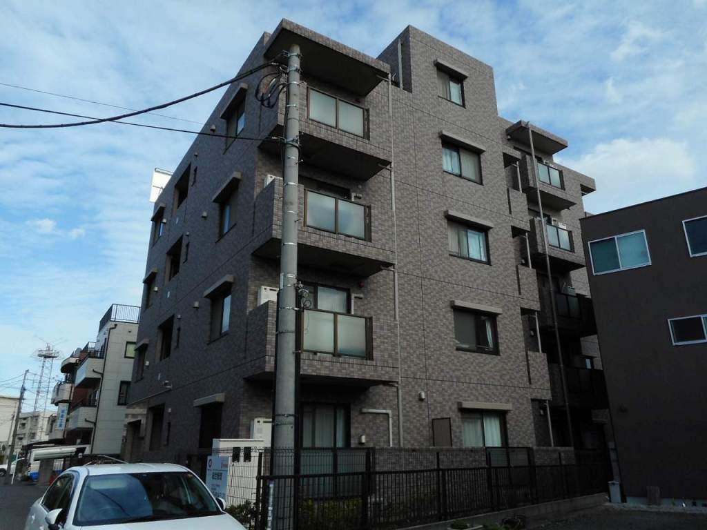 神奈川県横浜市鶴見区、鶴見駅徒歩13分の築15年 5階建の賃貸マンション