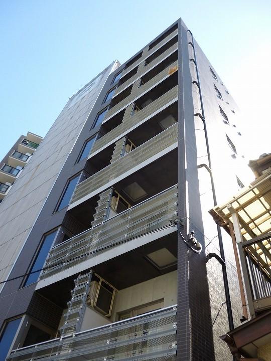 神奈川県川崎市幸区、川崎駅徒歩7分の築4年 8階建の賃貸マンション