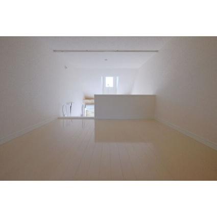 ユナイト根岸ヘルマン・ヘッセ[1R/12.5m2]のリビング・居間3