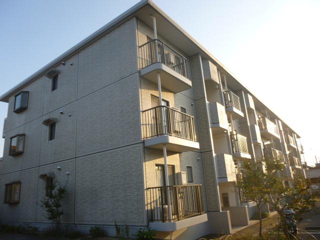 神奈川県藤沢市、藤沢駅徒歩20分の築24年 3階建の賃貸マンション