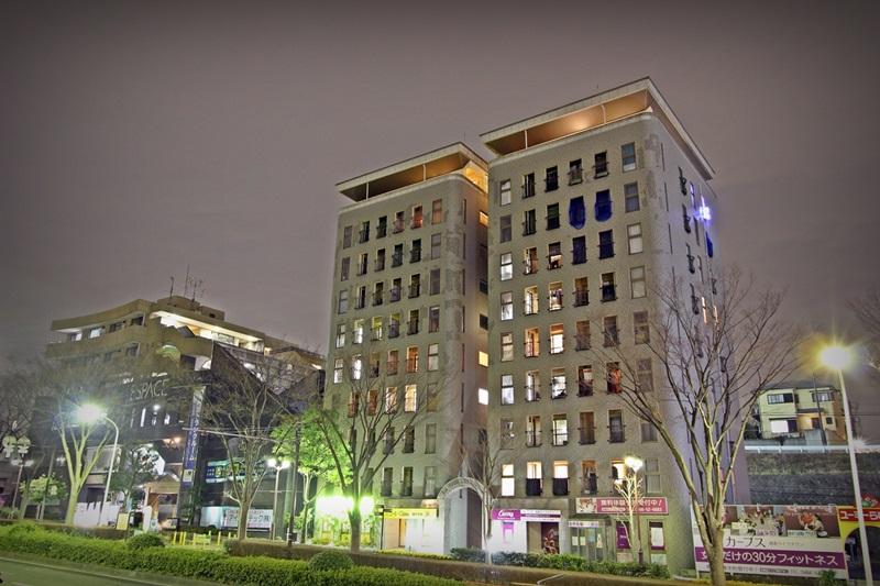 神奈川県藤沢市、藤沢駅バス24分ライフタウン中央下車後徒歩1分の築13年 10階建の賃貸マンション
