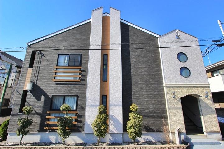 神奈川県藤沢市、本鵠沼駅徒歩1分の築8年 2階建の賃貸アパート