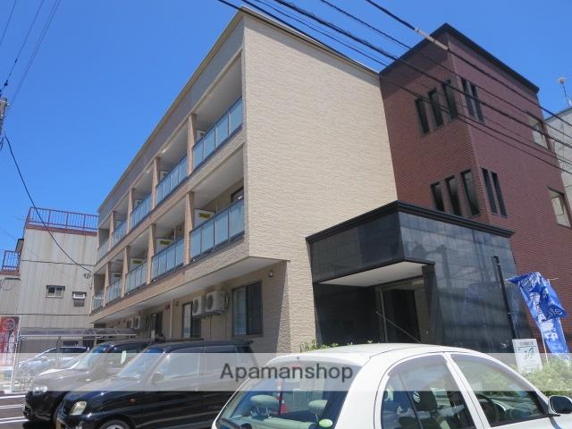 新潟県新潟市中央区、青山駅徒歩25分の築3年 3階建の賃貸アパート