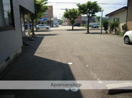 プラザパティオ[2K/43.26m2]の駐車場