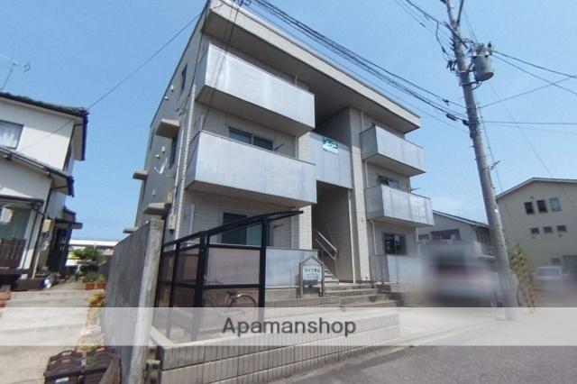 新潟県新潟市西区、小針駅徒歩17分の築8年 3階建の賃貸アパート