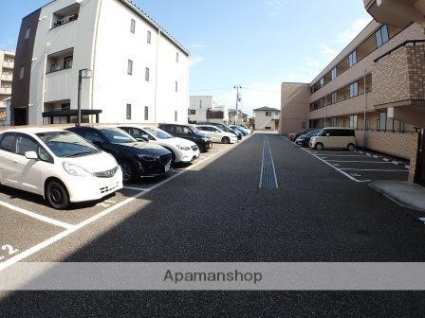 デリスガーデン女池[1LDK/40.32m2]の駐車場