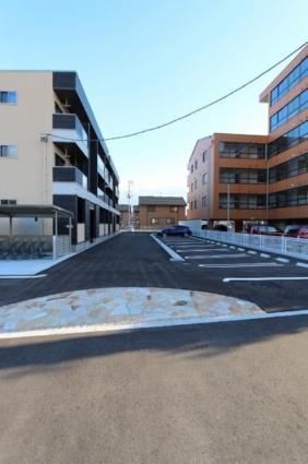 ジャスミン A[1K/25.83m2]の駐車場