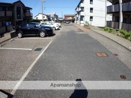 ブルームガーデン A[2LDK/57.98m2]の駐車場