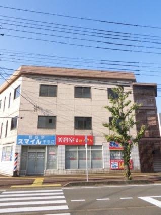 新潟県長岡市の築28年 3階建の賃貸マンション