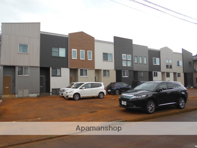 新潟県長岡市の築5年 2階建の賃貸アパート