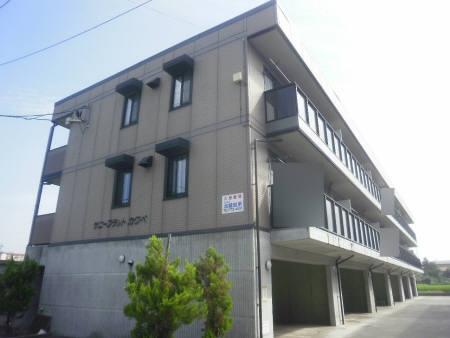新潟県南魚沼市、六日町駅徒歩7分の築15年 3階建の賃貸アパート
