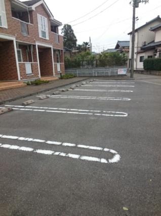 ヴィラ・ウィステリアB[2DK/44.82m2]の駐車場