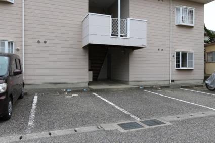 プラドール真砂A[2DK/44.28m2]の駐車場