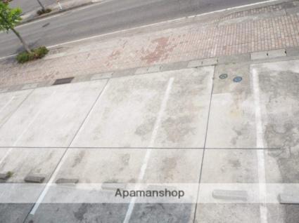 アウローラ[1K/26.49m2]の駐車場