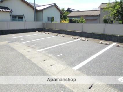 アクティブ[2LDK/58.13m2]の駐車場