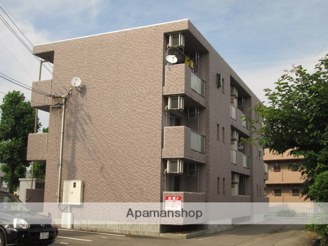 富山県富山市の築8年 3階建の賃貸マンション