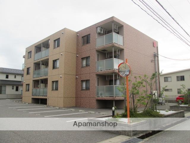 富山県富山市の築6年 3階建の賃貸マンション