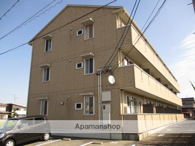 富山県富山市、大泉駅徒歩20分の築8年 3階建の賃貸アパート