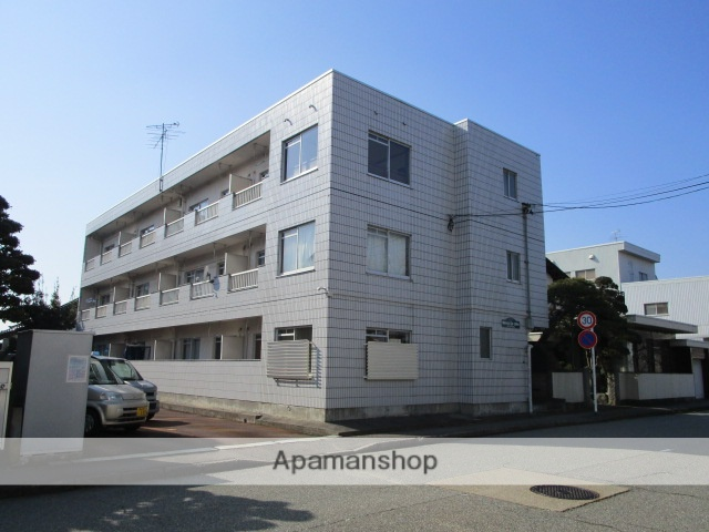 富山県富山市の築30年 3階建の賃貸マンション