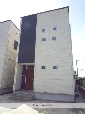 富山県富山市、下奥井駅徒歩10分の築8年 2階建の賃貸一戸建て