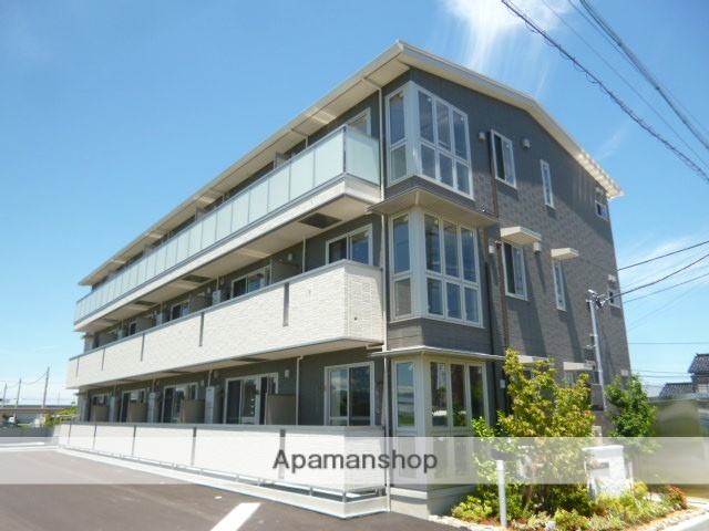 富山県富山市の新築 3階建の賃貸アパート