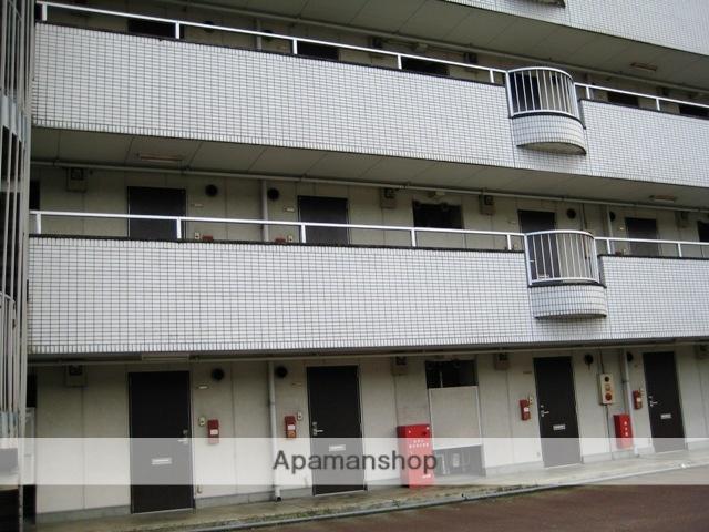 富山県富山市、西富山駅徒歩8分の築32年 5階建の賃貸マンション