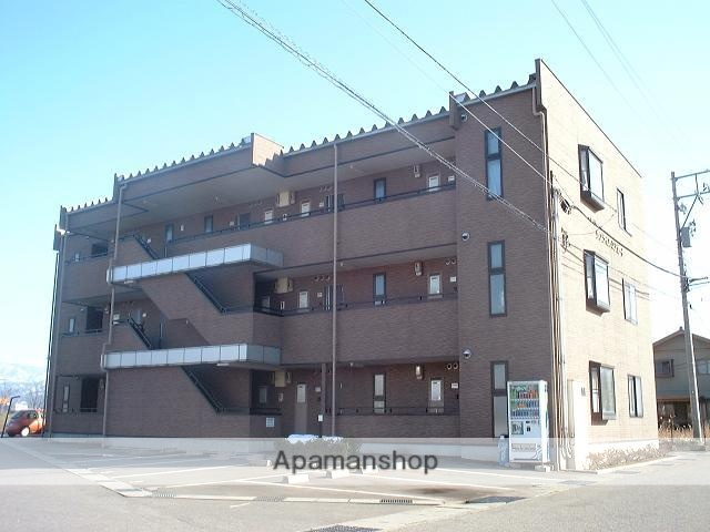 富山県富山市の築16年 3階建の賃貸マンション
