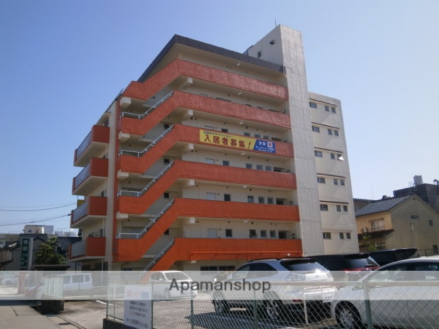 富山県富山市、西町駅徒歩6分の築35年 7階建の賃貸マンション