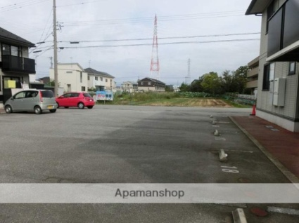 シャンポール A棟[2LDK/55.44m2]の駐車場
